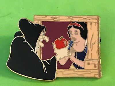 Disney Auctions P.i.n.s.  -Snow White  & Old Hag With Apple   Le 1000 Pin-Pins