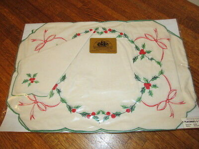 Vintage Christmas Sealed 4 Hand Embroidered Placemats W Matching Napkins NOS