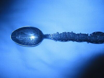 BROOKLYN BRIDGE, NEW YORK CITY SKYLINE STERLING SILVER SOUVENIR SPOON vintage