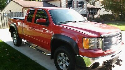 2007 GMC Sierra 1500 SLE Short Bed 4WD 2007 GMC Sierra 1500 SLE Short Bed 4WD 110019 Miles Red  5.3L V8 OHV 16V Automat