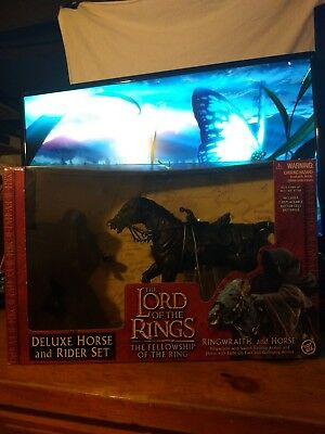 LOTR-Fellowship-Deluxe-Rider-Set-Ringwraith-and-Horse-Toy-Biz-2001-Red-Box