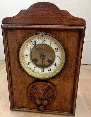 Vintage Wooden Oak case Mantle Clock With Key and Pendulum For Spares/Repair