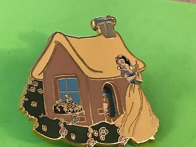 Disney 2001 Cottage Spinner -Snow White  Le 5000 Pin-Pins