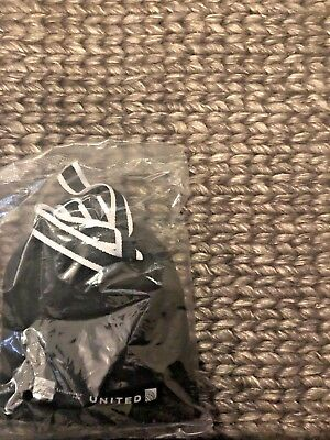 UNITED AIRLINES X SAKS FIFTH AVENUE First CLASS Business AMENITY KIT / POUCH NWB