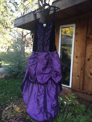 New with tag womens Vampire Vixen halloween custume one size fits most