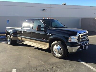 2006 Ford F-350 King Ranch Crew Cab Diesel Dually truck
