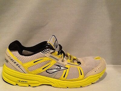 493a0e0f5d1 Brooks Racer ST 4 SZ 7.5 Women s White Yellow Running Athletic Sneakers