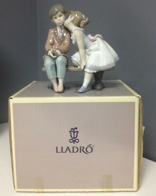 LLADRO 7635 Ten And Growing Vintage Retired Glazed Collectible Figurine SR