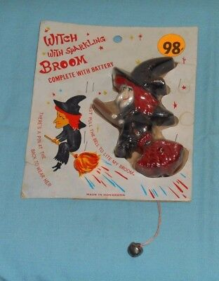 vintage HALLOWEEN LIGHT-UP WITCH WITH SPARKLING BROOM PIN toy