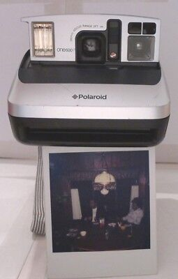 Polaroid One600 Silver Ultra Instant Film Camera + Strap - TESTED H