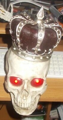 New Halloween Light Up Eyes SKULL Figure Lot w/ Crown Decoration Centerpiece