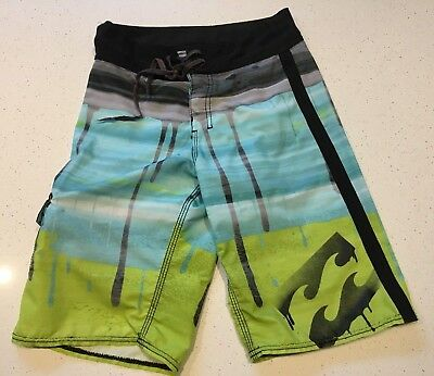 Boys SZ 10 CLOTHING  CLOTHES - billabong hurley industrie