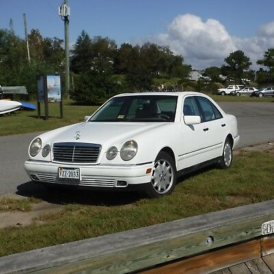 1999 Mercedes-Benz E-Class 4 dr sdn 1999 Mercedes Benz E300 Turbodiesel