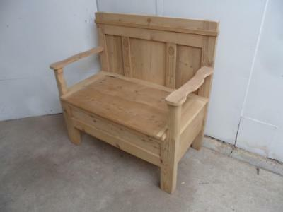 A Pretty Panelled Antique/Old Pine 1/2 Seater Box Settle/Bench to Paint/Wax