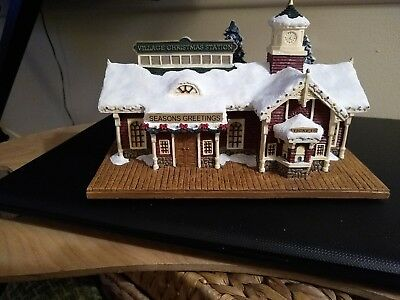 Thomas Kinkade Hawthorne Village--Village Christmas Station--Lighted