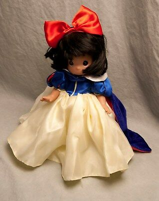 Precious Moments Disney's Snow White Doll Dress Cape