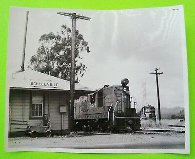 """ca 1950's SOUTHERN PACIFIC #5279 AT SCHELLVILLE CALIFORNIA STATION 10"""" X 8"""" Xlnt"""