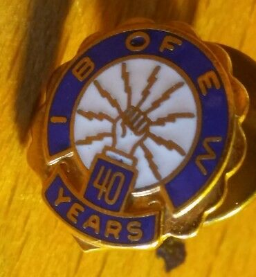 VINTAGE 1960S ROMANIA Pin Badge Member sign of the union of
