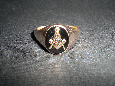 Masonic Ring 9ct Yellow Gold Square And Compasses set in black Onyx