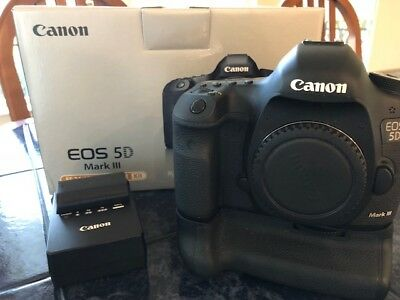 Canon EOS 5D Mark III 22.3MP Digital SLR Camera - Body Only with Battery Grip)