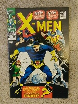 X-Men (1963) #39 New Costumes!, Origins Cyclops. Death of Mutant Master! VF- 7.5