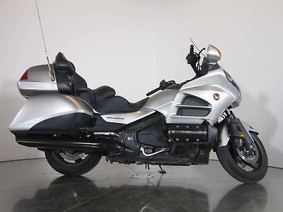 2016 Honda Gold Wing Audio Comfort  2016 Motorcycles Used 1 5-speed including overdrive plus electric reverse