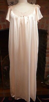 Vintage St Michael Beautiful Peach Slithery Liquid Satin Nightdress Size 16-18