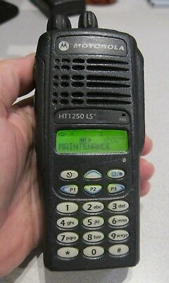 motorola ht1250 ls uhf 450 512mhz two way radio aah25sdh9dp6an with