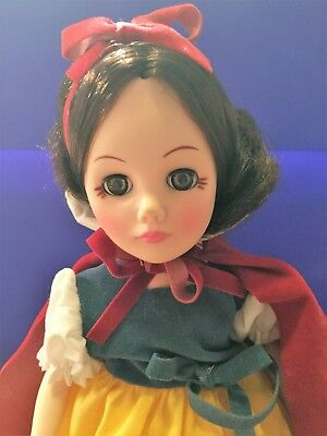 Effanbee  1977-78 Disney Character Doll Snow White-Vintage