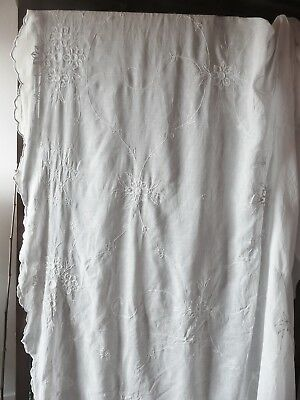 1 Ancien Grand Coupon En Voile De Coton Broderies Cornely / Couture / Creation