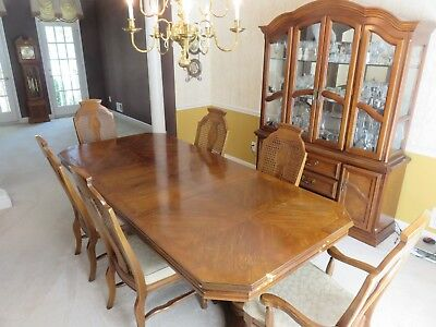 Lexington Mahogany Dining Room Set(Table&pad, 6 Chairs, Hutch, Antique Sidebord)