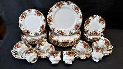 Royal Albert England Old Country Roses - 8 Five Piece Place Settings (40 Pieces)