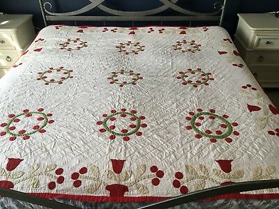 Vintage Hand Sewn Applique' Tulip Red & Green Quilt-Provenance-Zoar, Ohio