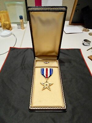 Original ~ WWII ~ Silver Star Medal ~ Slot Brooch ~ in Coffin Box ~ Lapel Device