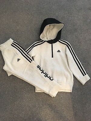 Boys Adidas Jogging Suit Immaculate Age 6-7