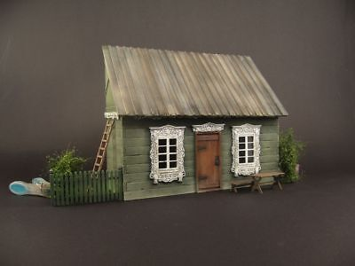 Russian old house, 1:35 scale,  built and painted