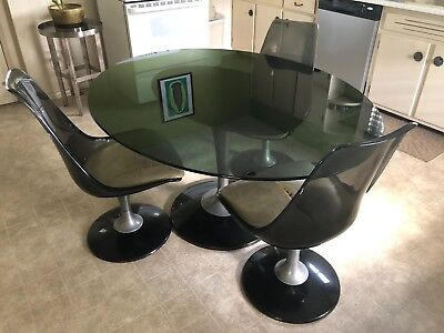 1960's Space Age/Knoll Style/Eames Era table and chair set in tulip style