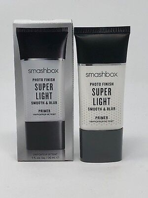 Smashbox Photo Finish Super Light Smooth & Blur Primer (1floz)
