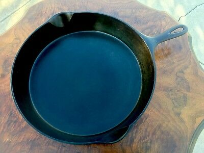 "Antique #12 Wagner Large Cast Iron Fry Pan Skillet 14"" Dia. W/ Smoke Ring Nice!"