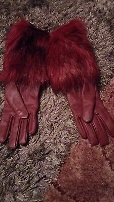Ladies   Leather   Gloves   With  Faux  Fur trim   Bnwot  Size  S/m