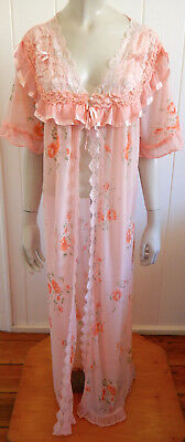 Fabulous vintage 1960s flowery sheer lacy house coat size 14 -  18 (US 10 - 14)