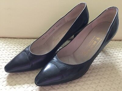 94c02b4d60dd Bruno Magli Women s black classic leather shoes US 9 1 2 AA Made in Italy