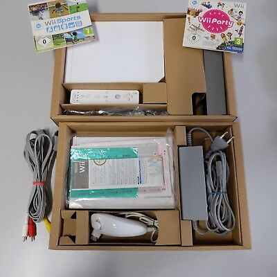 Nintendo Wii Family Edition Spielekonsole mit Wii Sports & Wii Party