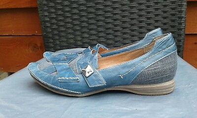 Worn Once Ladies Blue Leather Flats By Karston Size 5/5.5