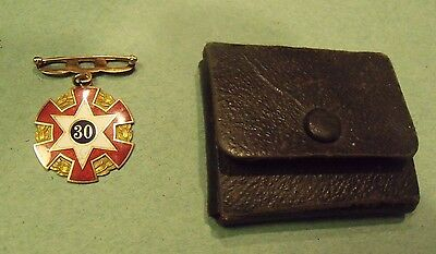 1929 Odd Fellows Gold 30 year Medal w  Lilley case Engraved Bateman