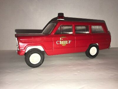 "Vintage Tonka Jeep Wagoneer Station Wagon Pressed Steel Car 9"" Red Fire Chief"