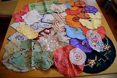 36 ANTIQUE VINTAGE COLOURED MATS DOILIES Lace Embroidered Matyo #22