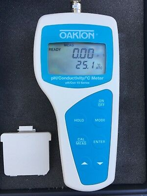 Oakton 35630-60Deluxe pH/Conductivity/Meter Kit