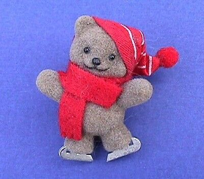 BUY1&GET1@50%~Avon PIN Christmas BEAR Ice SKATING Fuzzy TEDDY Vtg 1986 Holiday