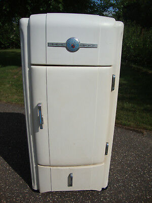 Antique Art Deco Crosley Refrigerator – Mid 1930s
